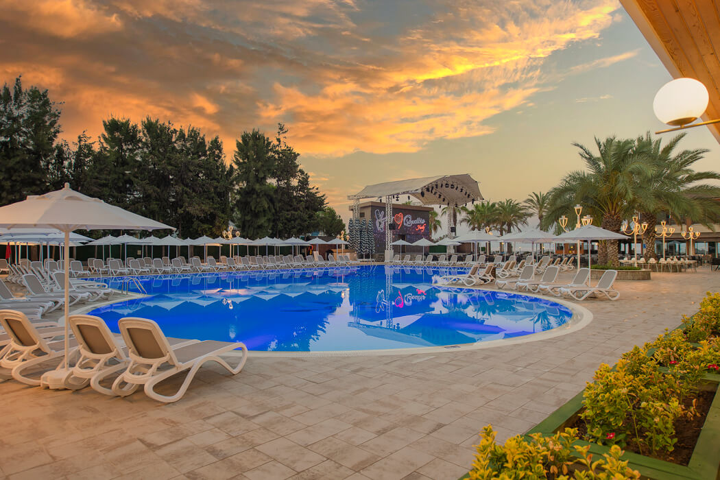 Club Dem Resort