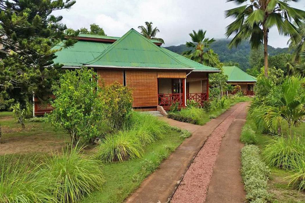 Paradise Flycatcher Lodge